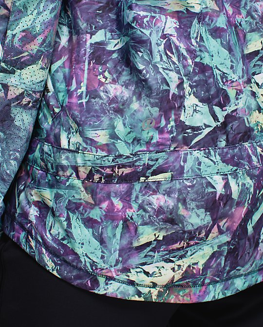 lululemon-miss-misty-jacket iridescent-multi