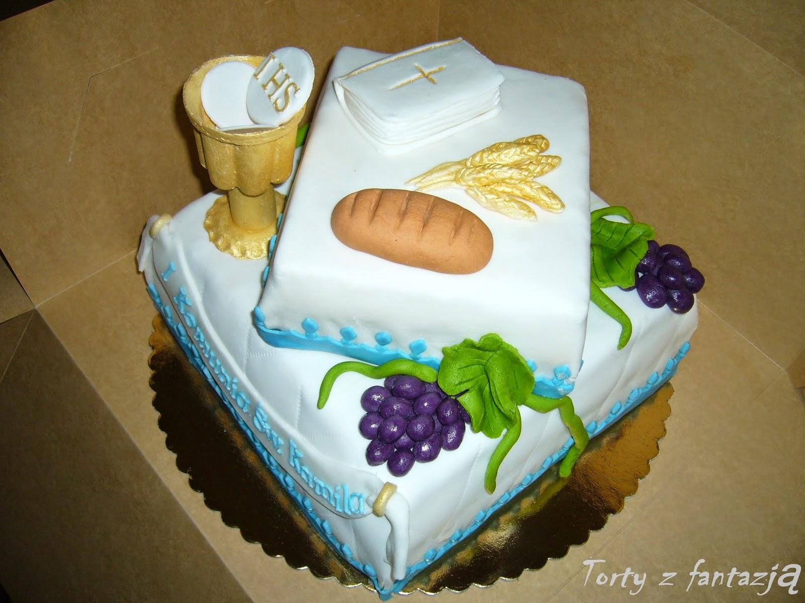 Tort na komunię z kielichem i winogronami