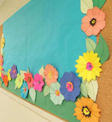 Un toque de mercy flores de papel spring into - Pizarras para decorar ...