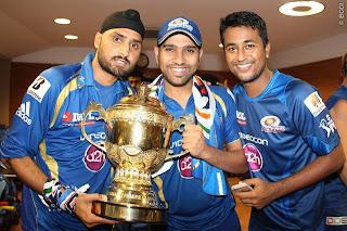 Harbhajan-Singh-Pragyan-Ohja-Rohit-Sharma-celebrates-MI-Win-IPL-2013