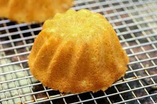 cake-on-rack