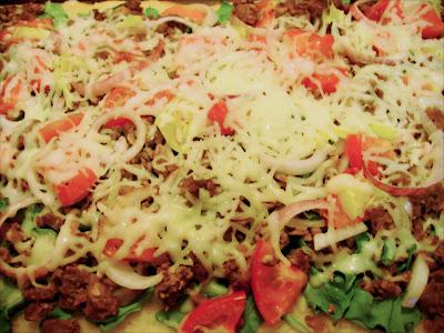 Garden Fresh Pizza with Vegetarian Sausage