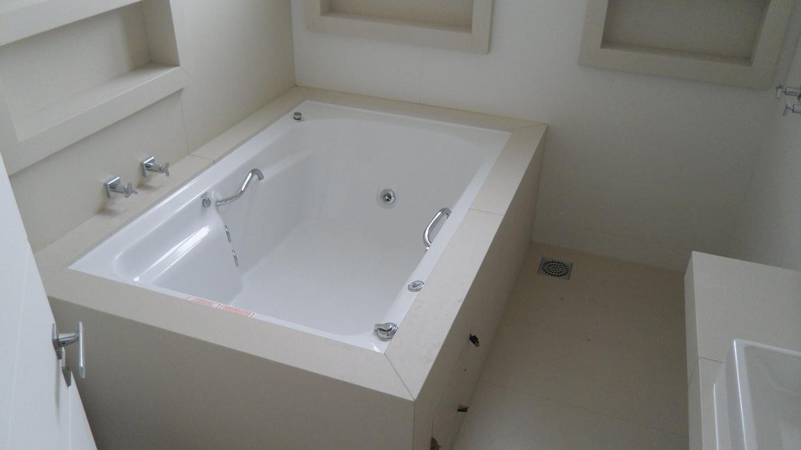 Bel Taglio , cortes especiais em porcelanato Fevereiro 2012 -> Acabamento Banheiro Com Banheira