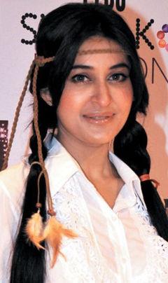Dr Shaista Wahidi Got Divorced, Shaista Wahidi Become Shaista Lodhi