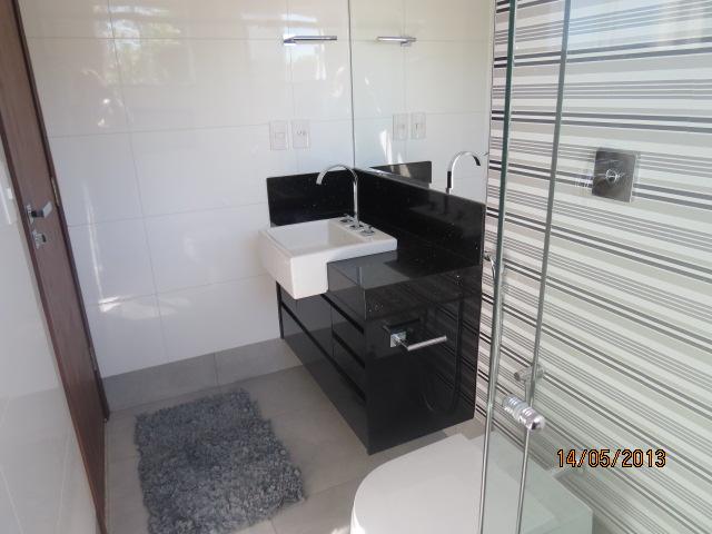 Construindo um Castelinho Armário de Banheiro em Laca Preta -> Armario De Banheiro Com Porta Papel Higienico