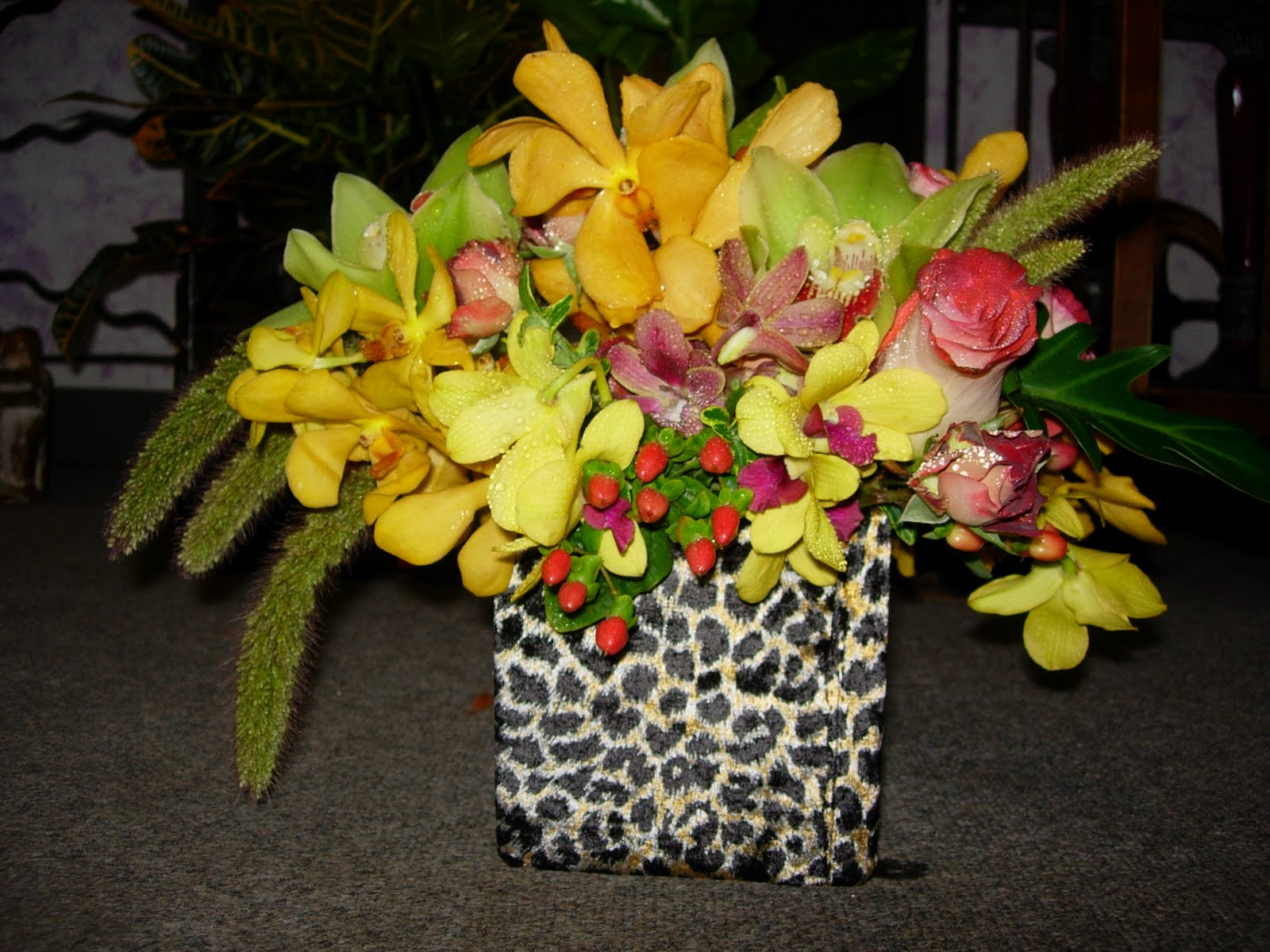 Do it yourself weddings safari look vases having a zoo wedding or a wedding where you want a jungle look consider covering your vases with zebra or leopard print material to include the wildlife solutioingenieria Choice Image