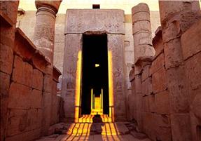 """تعامد الشمس على معبد الملكة """"حتشبسوت"""" بالدير البحري 6-1-2015م"""