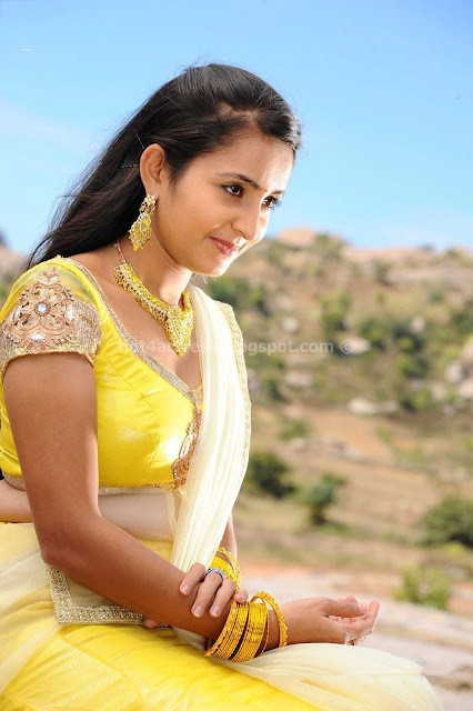 bollywood, tollywood, hot, Bhama, Unseen, Navel, and, Cleavage, Photo, Gallery
