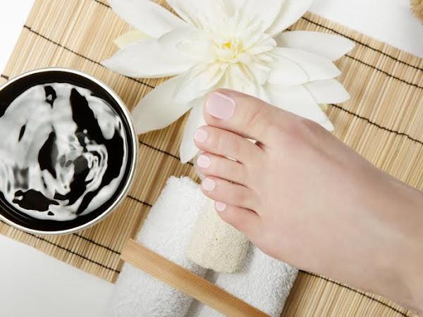 ESTATE: PIEDI IN PRIMO PIANO L'arma segreta per avere piedi impeccabili per tre settimane? Gli smalti gel semipermanenti ESTROSA!