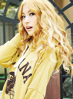 Gyuri KARA Blonde Beauty Glowing