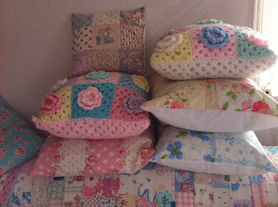 L ovely cushions