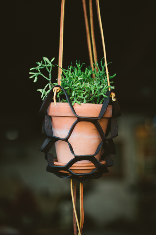 shows you how to make these stylish plantpot hangers (for indoor ...
