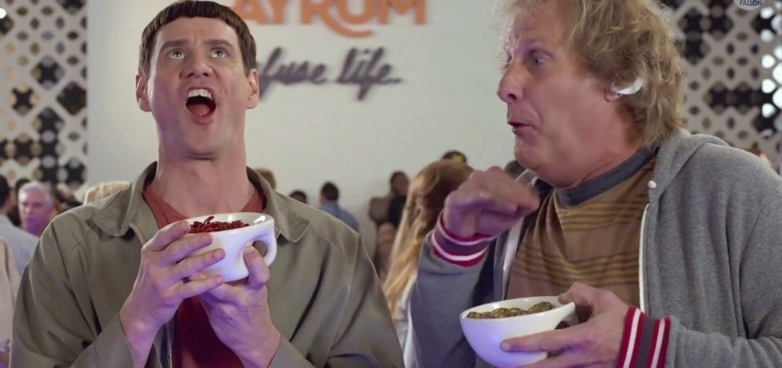 Harry & Lloyd estão de volta no hilário trailer da sequência Debi & Lóide 2
