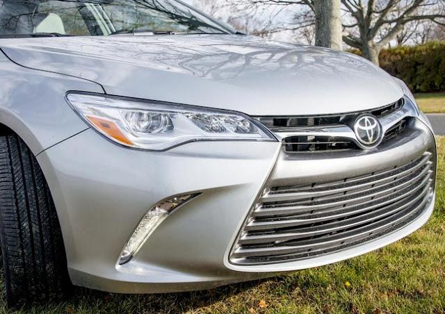 2015 Toyota Camry Hybrid XLE V6 Invoice Price