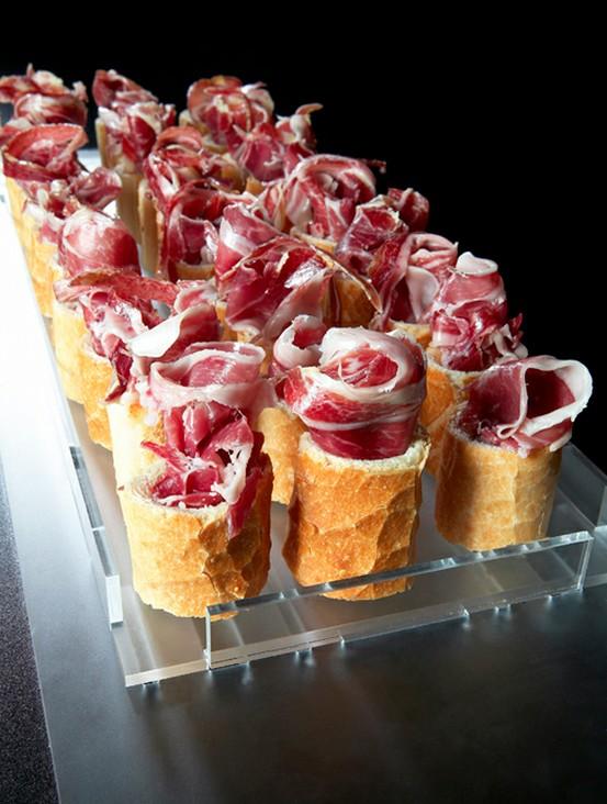 Rollitos de pan con jam n ib rico recetas gourmet jam n for Tapas originales para sorprender