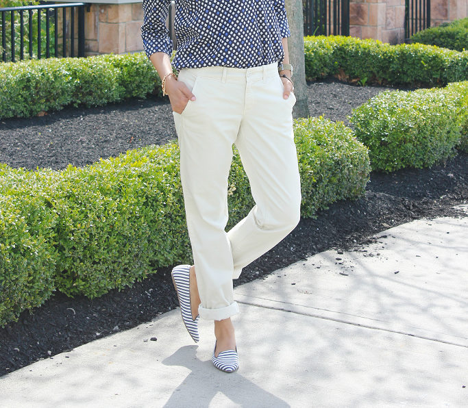 JCrew Popover Shirt, Waverly Chino, Andie Chino, Spring Outfit Ideas, Rayban Mirror Aviators, Gap Striped Flats
