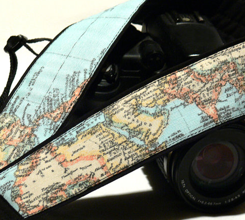 https://www.etsy.com/de/listing/184636427/world-map-camera-strap-canon-camera?ref=sr_gallery_13&ga_search_query=camera+strap&ga_search_type=handmade&ga_view_type=gallery