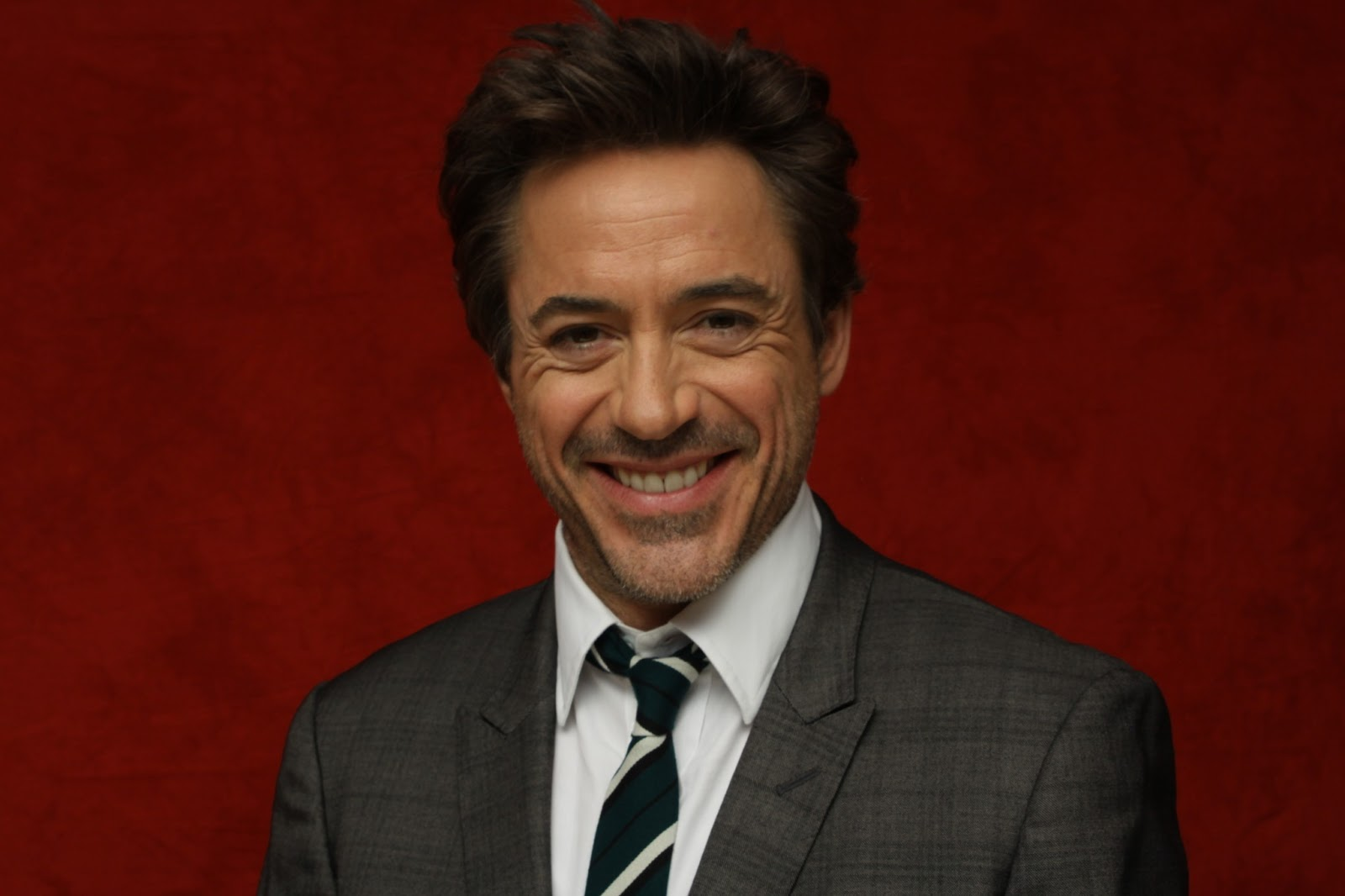 http://2.bp.blogspot.com/-_pht3sP_grQ/UUJW8qYtdrI/AAAAAAAADQU/KM8WM_TO3tc/s1600/Robert-Downey-Jr.jpg