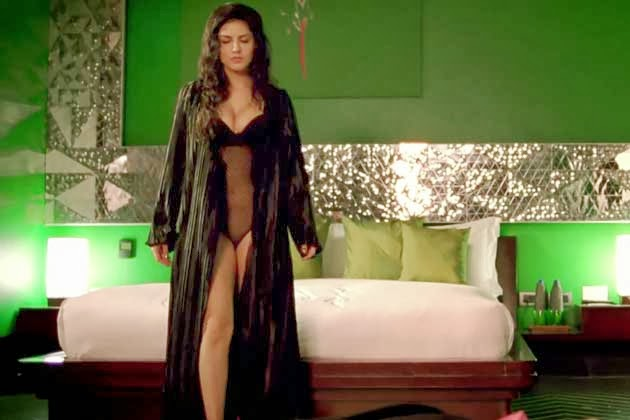 Sunny Leone without underwear