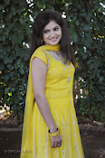 New Actress Noorjahan Photos in Yellow-thumbnail-16