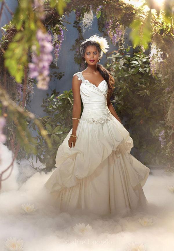 The dream come true... gli abiti da sposa ispirati alle principesse