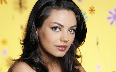 Mila Kunis Beautiful Eyes Girl Wallpaper