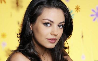 Mila Kunis Beautiful Eyes Girl Wallpaper