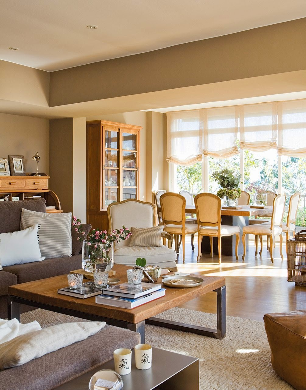 Penthouse n tonuri neutre jurnal de design interior for Comedor que se hace grande