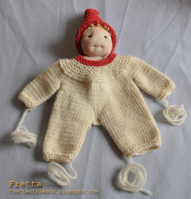 Knitting Patterns For Waldorf Dolls : Fretta: WIP: Small Waldorf Doll in a knitted suit.
