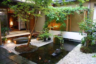 Desain Kolam Ikan di Lingkungan Rumah: seputarinfos.blogspot.com/2013/02/desain-kolam-ikan-di-lingkungan...