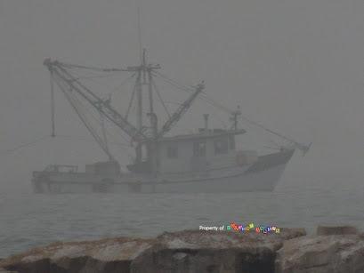 One lone Shrimp Boat border=