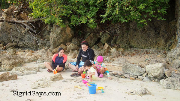 Nataasan Beach Resort, Sipalay - white sand beach Philippines