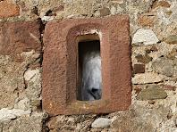 Detall d'una finestra de Sant Cristòfol de Monteugues
