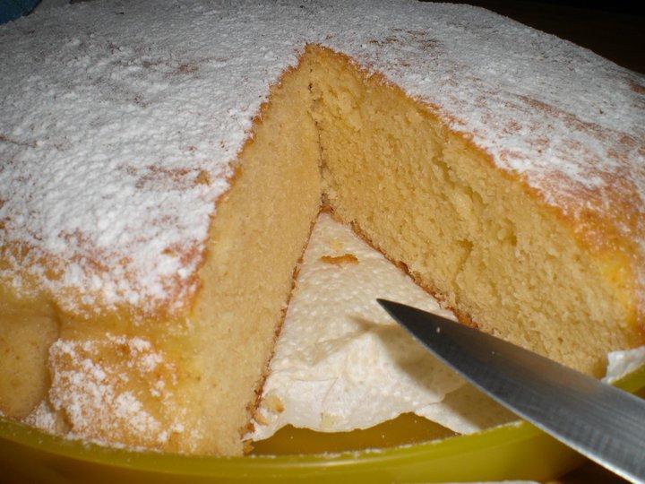 A la Cocina con Merche: BIZCOCHO DE LECHE CONDENSADA Y COCO RALLADO,