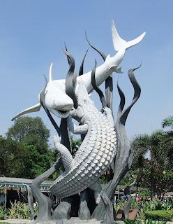 Icon Kota Surabaya, Gambar Ikan Sura dan Buaya