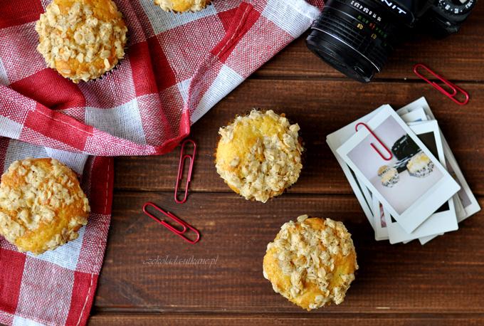 muffiny, muffins, rabarbar, wypieki z rabarbarem, owsiana kruszonka