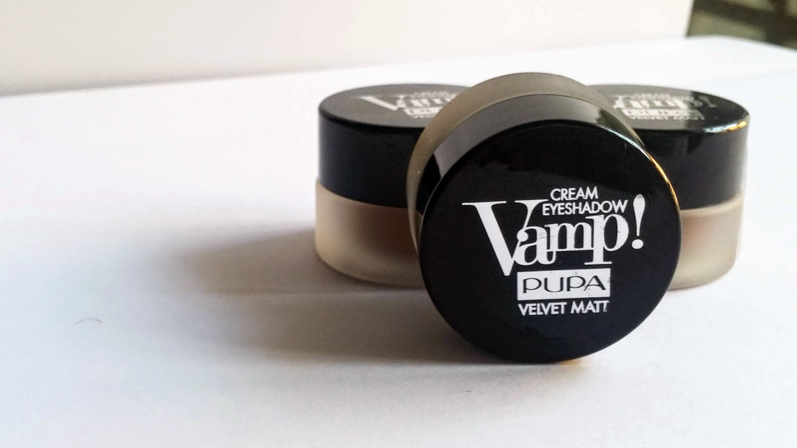Pupa, Vamp! Cream Eyeshadow Velvet Matt swatches