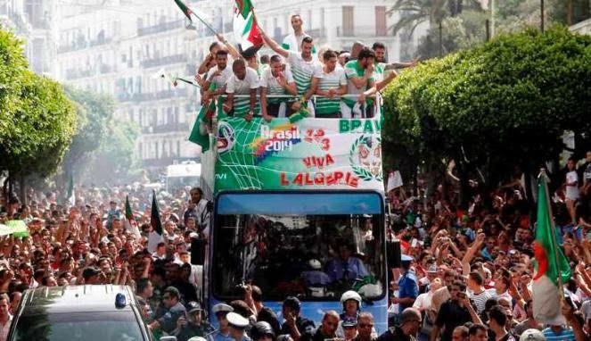 Skuad Aljazair disambut saat pulang dari Piala Dunia 2014