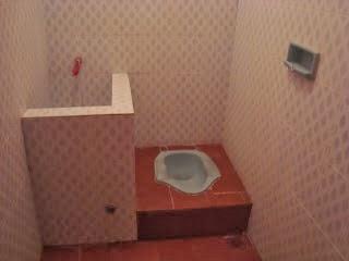 kamar mandi keramik