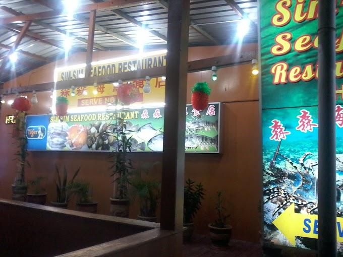 Makan seafood hidup dalam kolam di Restaurant Seafood Sim-Sim 88 Sandakan