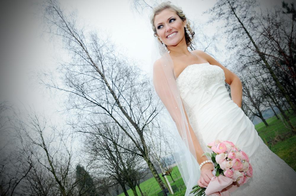 dan tyack photography blog: Naomi and Graemes wedding Holland Hall ...