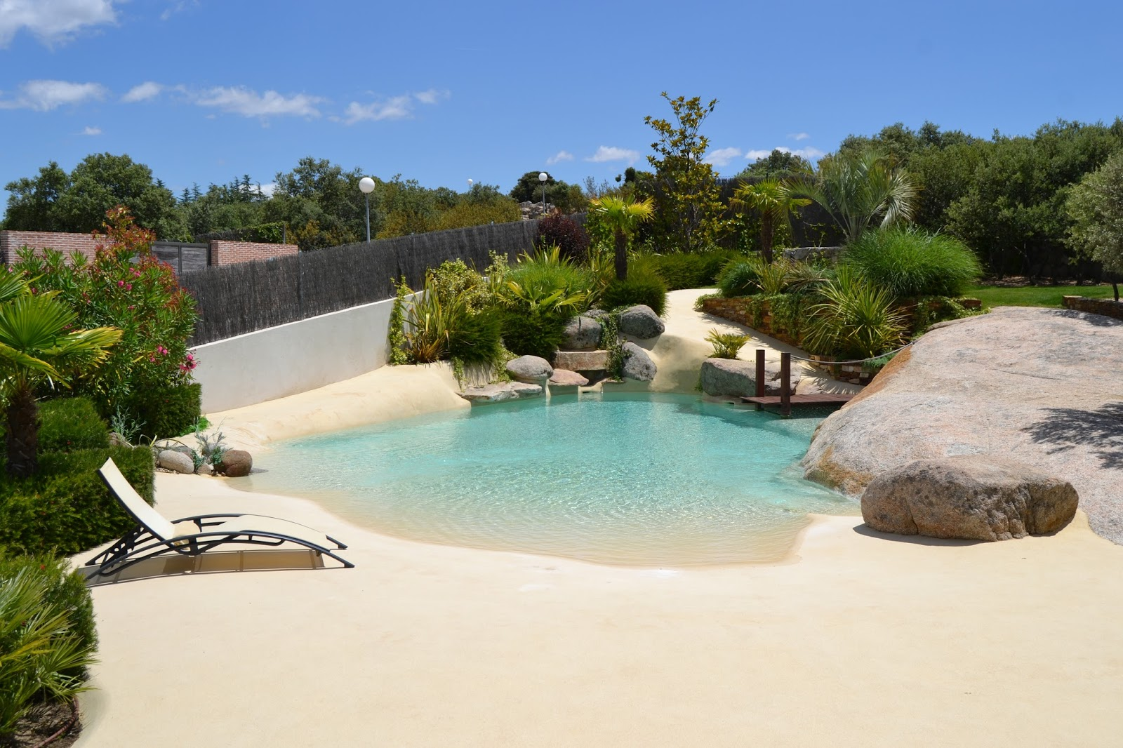 Rw paisagismo tend ncia piscinas 39 quase 39 naturais - Piscinas de arena opiniones ...