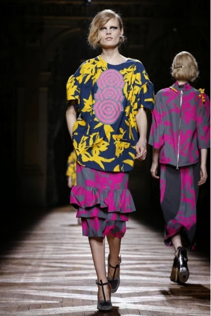 Dries-Van-Noten, Dries-Van-Noten-Fall-Winter, Fall-Winter, Fall-Winter-2014, Womenswear, womenswear-2014, ready-to-wear, pret-à-porter, fashion-week-milan, automne-hiver, fashion-week, milano-fashion-week, milan-fashion-week, mlf, mlf14, mlf2014, paris-fashion-week, fashion-week-paris, pfw, pfw14, pfw2014, du-dessin-aux-podiums, blog-mode-femme, blog-sur-la-mode, online-fashion-magazine, mode-chic, new-mode , fashion-looks, milan-fashion, fashionweek, look-mode, mode-a-paris, paris-fashion, style-mode, accessoires-de-mode, ladieswear, in-fashion, blogs-mode, fashion-events