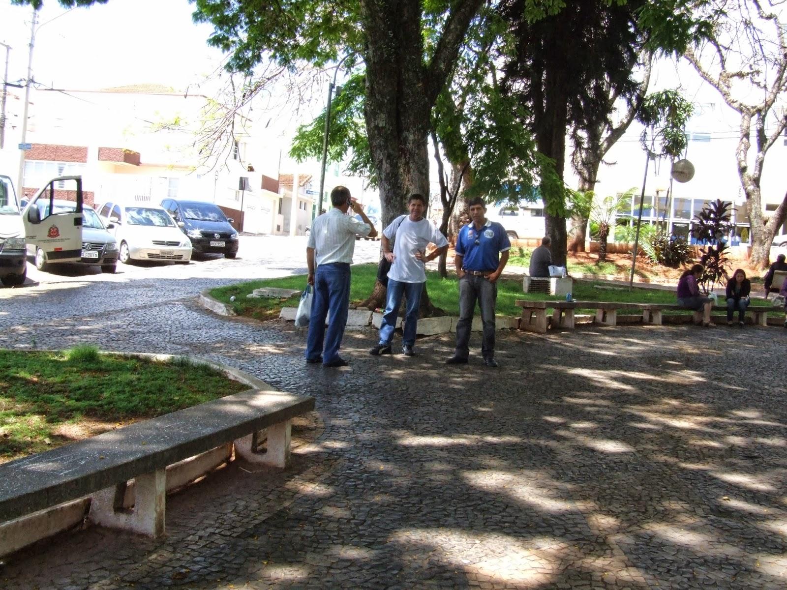 na pele a falta de banheiros para os pacientes da saúde em Itapeva #857346 1600x1200 Banco Banheiro Cadeirante
