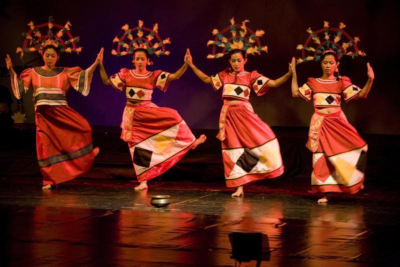 arts different kinds of folk dances All types of folk dances 1 punjab folk dancepunjabi dances are a collection of folk and religiousdances of the punjabi people like jaggo dance bhangra dance sammi dance kikli dance.