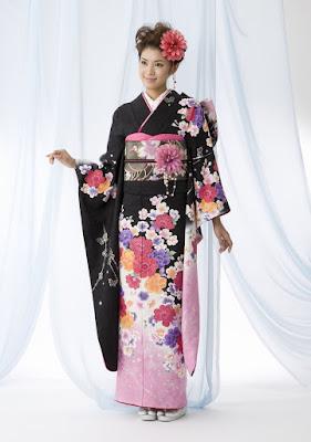 Model Kimono Tradisional Jepang