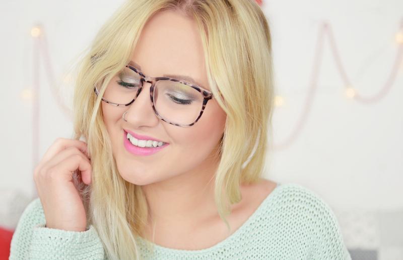 braun_weiß_durchsichtig_gemusterte_Brille