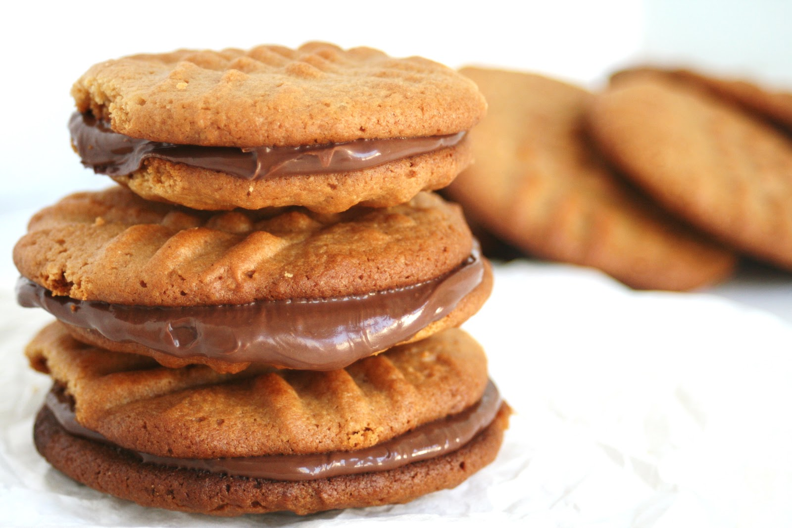 Thee Cook: Peanut Butter Nutella Sandwich Cookies