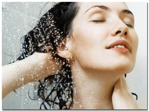 Tips Cara Merawat dan Mengatasi Rambut Berminyak