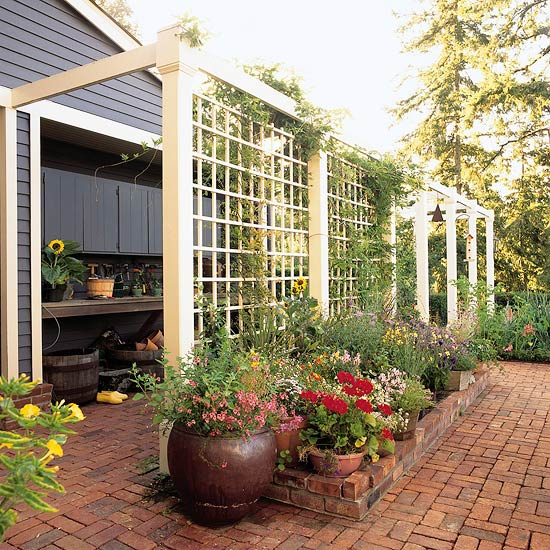 12 diy trellis designs for privacy for Deck trellis
